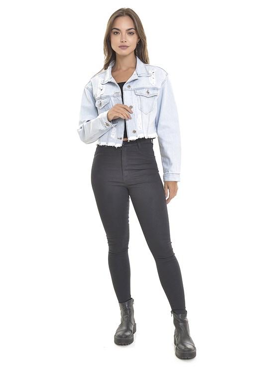 Jaqueta Jeans Dialogo Cropped Com Bolsos e Rasgos Delavê Feminina